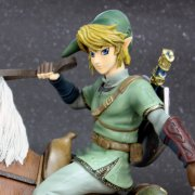 The Legend of Zelda Twilight Princess Master Arts Statue:  Link on Epona